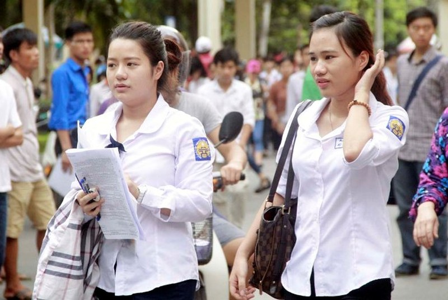 Nhiều sĩ tử tự tin chờ xét tuyển vào đại học  - ảnh 1