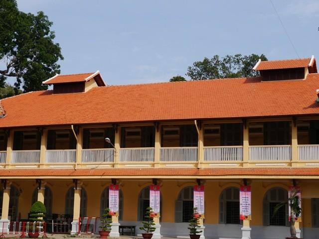 ĐH Sài Gòn - vẻ quyến rũ dịu dàng của ngôi trường trăm tuổi - ảnh 9