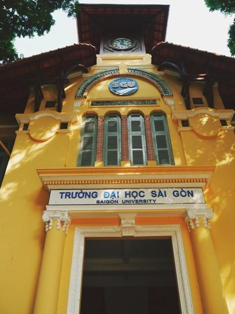 ĐH Sài Gòn - vẻ quyến rũ dịu dàng của ngôi trường trăm tuổi - ảnh 2