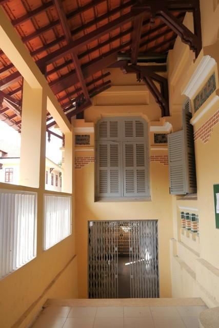 ĐH Sài Gòn - vẻ quyến rũ dịu dàng của ngôi trường trăm tuổi - ảnh 8