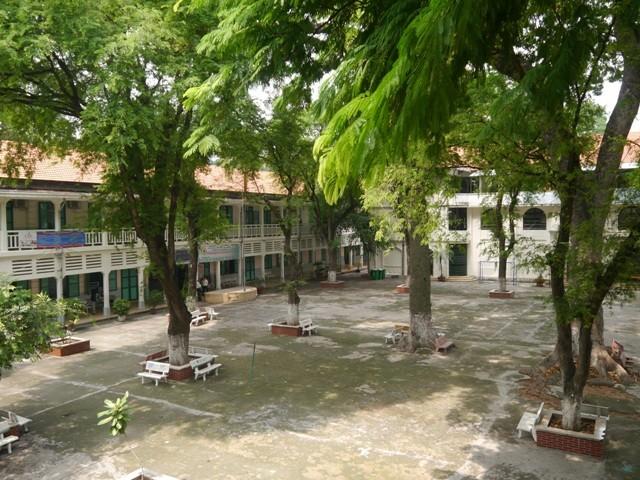 Độc đáo những ngôi trường trăm tuổi ở Sài Gòn - ảnh 3