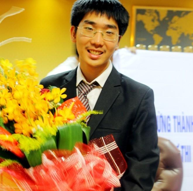 Việt Nam giành ba huy chương vàng Olympic vật lý quốc tế - ảnh 1