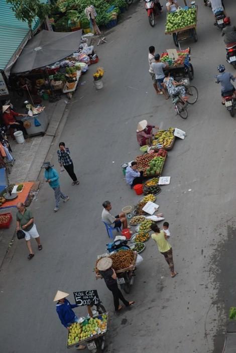 Dẹp chợ lề đường: Chẳng lẽ bó tay? - ảnh 3