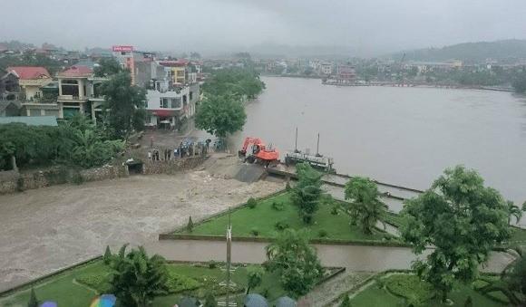 Quảng Ninh: phá đập tràn cứu ngập cho TP Uông Bí - ảnh 1