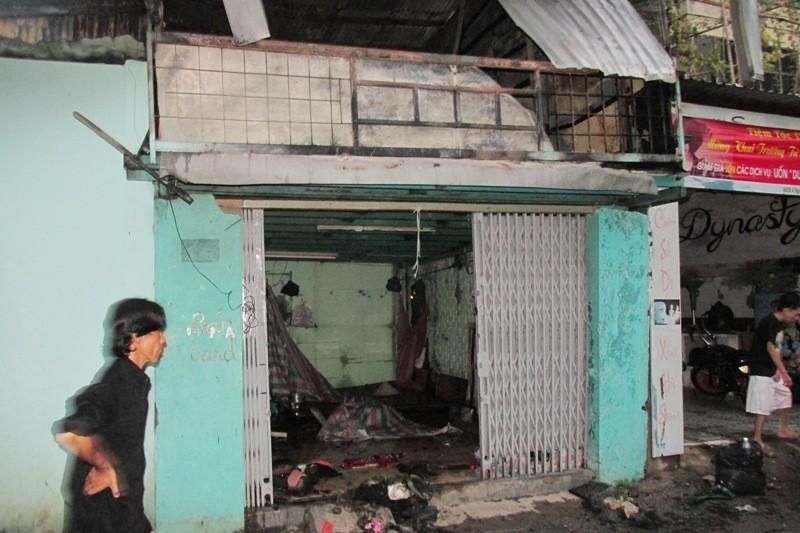 Lửa lớn cháy lan, 8 nhà trọ ở quận Bình Thạnh bị thiêu rụi - ảnh 3