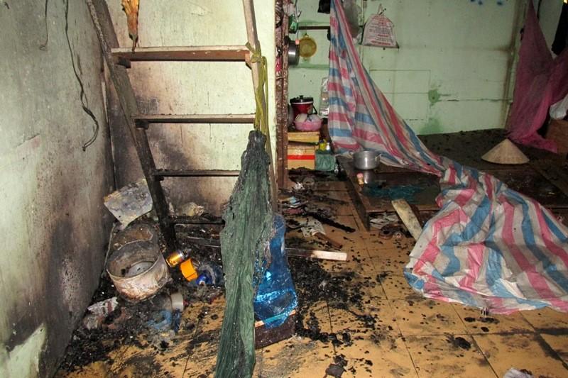 Lửa lớn cháy lan, 8 nhà trọ ở quận Bình Thạnh bị thiêu rụi - ảnh 4