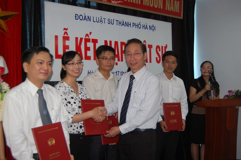 Đoàn Luật sư Hà Nội kết nạp thêm 29 luật sư - ảnh 1