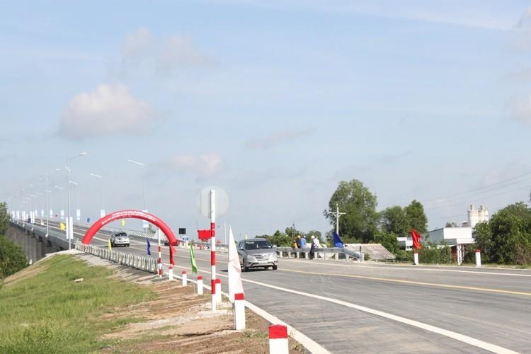 Thông xe cầu Mỹ Lợi: Rút ngắn 75km từ Tiền Giang đến TP.HCM - ảnh 4