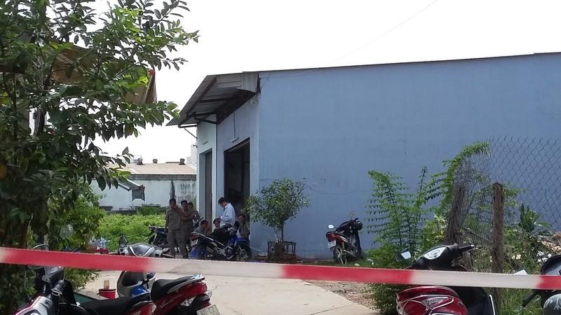 Sập gác lửng của xưởng keo, 2 người chết, 2 người bị thương nặng - ảnh 1
