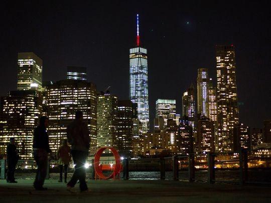 Thế giới đổi màu cờ Pháp tưởng niệm nạn nhân vụ khủng bố  - ảnh 5