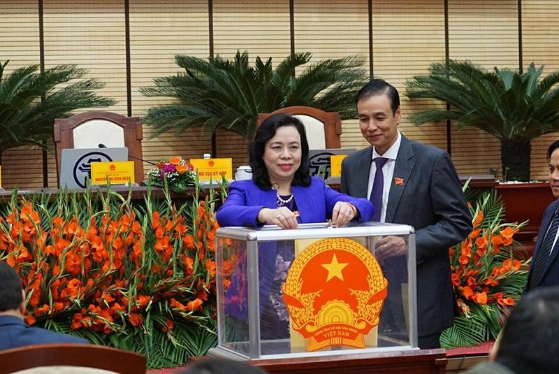 Tướng Chung đắc cử chức chủ tịch TP Hà Nội - ảnh 1