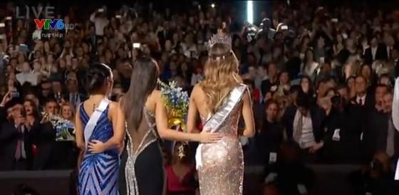 Sai lầm nghiêm trọng khi công bố Hoa hậu Hoàn vũ - ảnh 6