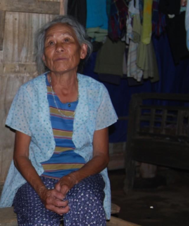 Bà Đỗ Thị Lan chỉ mong bốc mộ tích phúc đức cho con gái lưu lạc có ngày trở về.