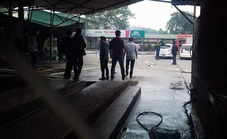 Cháy lớn tại gara ô tô ở Hà Nội - ảnh 3