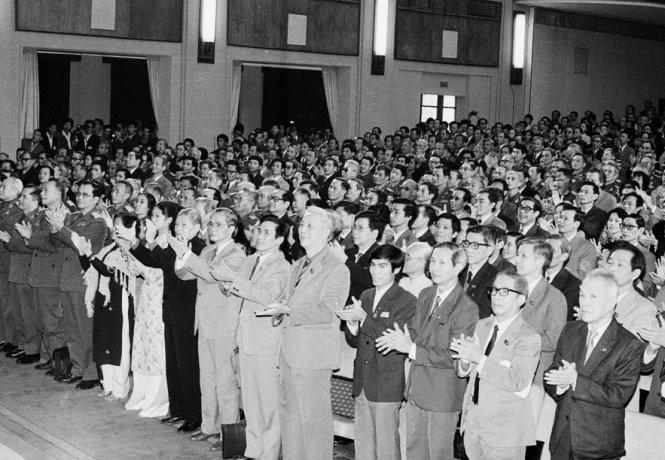Các đại biểu dự Đại hội Đảng toàn quốc lần thứ VI - Ảnh: TTXVN