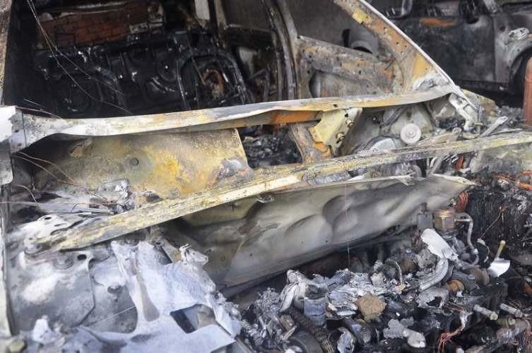 Chùm ảnh: Năm siêu xe cháy trơ khung trong vụ cháy lớn ở Cống Quỳnh  - ảnh 3