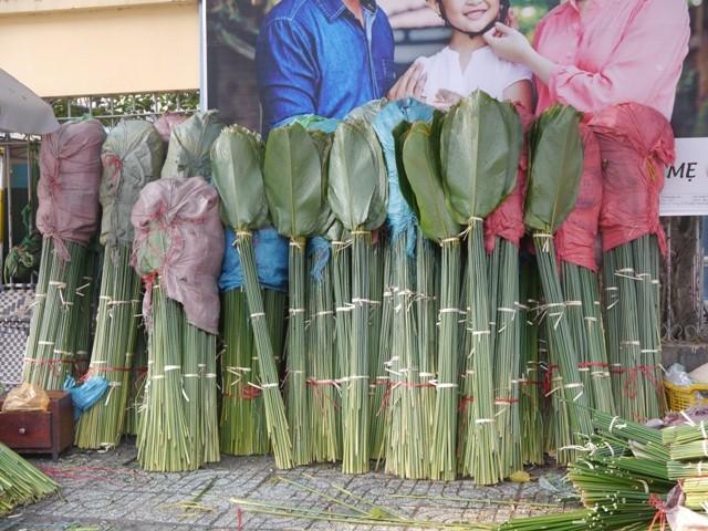 Độc đáo chợ lá dong giữa Sài Gòn - ảnh 5