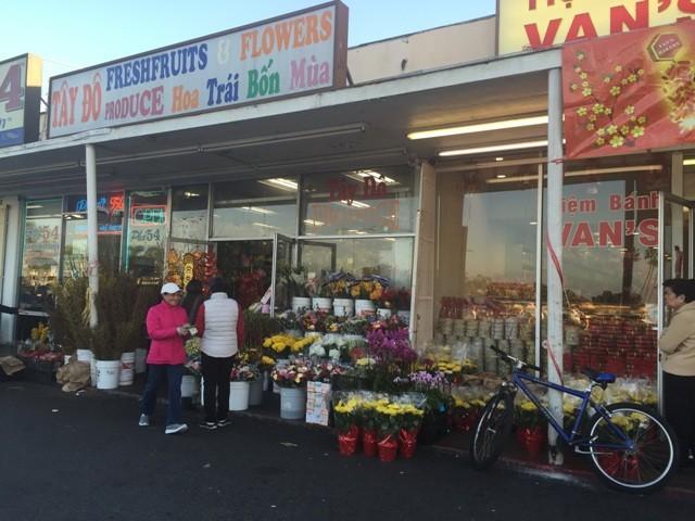 Chợ hoa 'rất Việt Nam' ngay trên đất Mỹ - ảnh 10