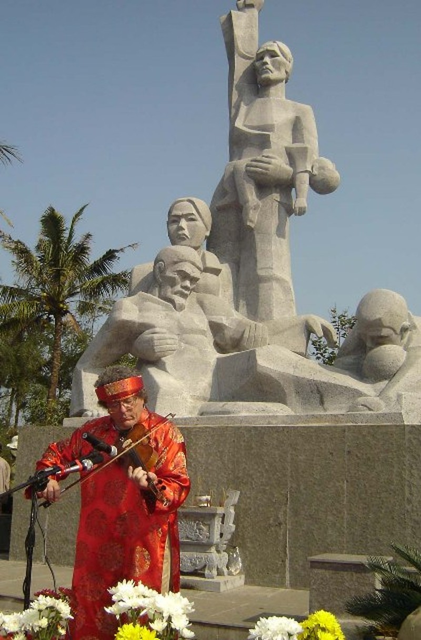 Tưởng niệm 48 năm vụ thảm sát Sơn Mỹ - ảnh 1