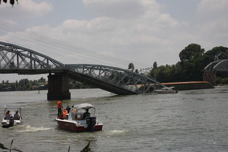 Mất ít nhất từ 3-5 tháng mới khắc phục xong vụ sập cầu Ghềnh  - ảnh 12