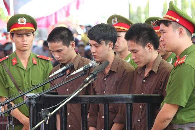 Audio: Hoãn xử phúc thẩm vụ thảm sát ở Bình Phước  - ảnh 1