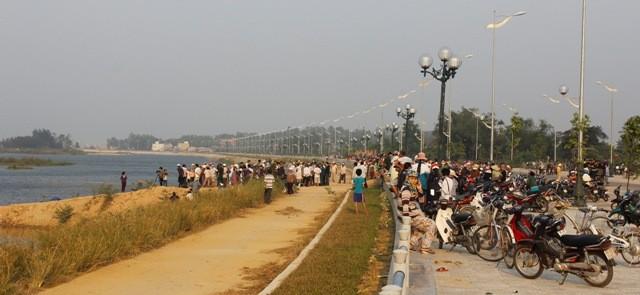 9 học sinh chết đuối: Tang thương bên sông Trà Khúc  - ảnh 1