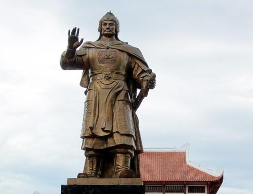 nhung-vi-vua-thang-than-nhan-loi-trong-su-viet-1