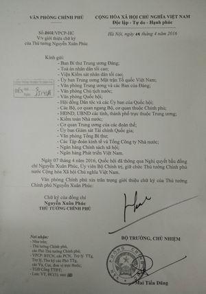 Chính phủ giới thiệu chữ ký của Thủ tướng và 3 phó thủ tướng  - ảnh 1