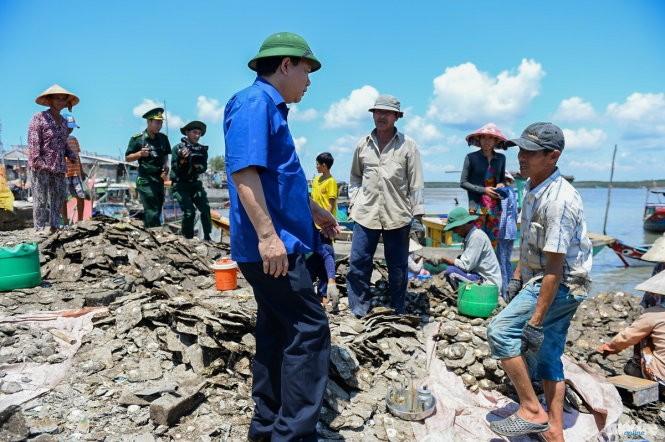 Thăm đảo Thạnh An, Bí thư Thăng chỉ đạo sớm xây trường cấp 3