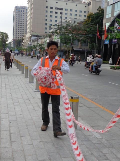 TP.HCM duy tu, bảo dưỡng định kỳ phố đi bộ Nguyễn Huệ  - ảnh 2