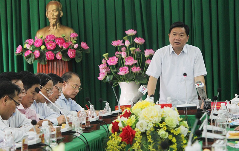 Bí thư Thăng chỉ đạo cắm ngay mốc ranh giới dự án 'treo' ga Bình Triệu  - ảnh 1