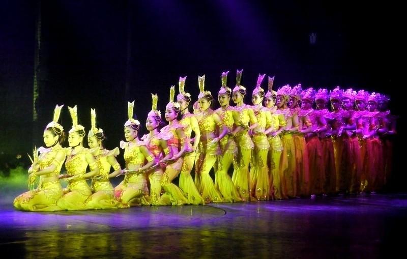 Bất ngờ với nhà hát dân gian của một Việt kiều - ảnh 10