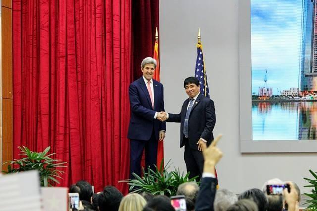 Ngoại trưởng Mỹ nói chuyện cùng thủ lĩnh trẻ Đông Nam Á - ảnh 1