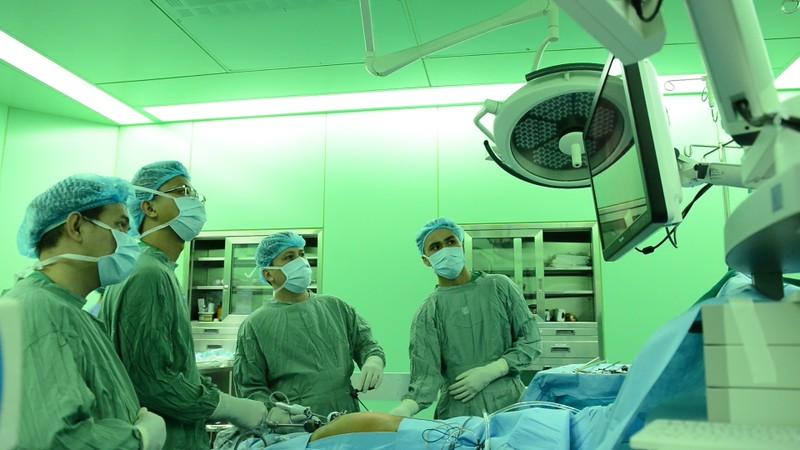 Bệnh viện Đại Học Y Dược đạt giải nhất phẫu thuật nội soi cắt gan