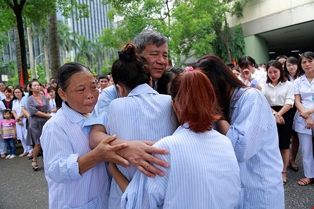 Vì sao bệnh nhân khóc khi chia tay BS Nguyễn Anh Trí? - ảnh 3