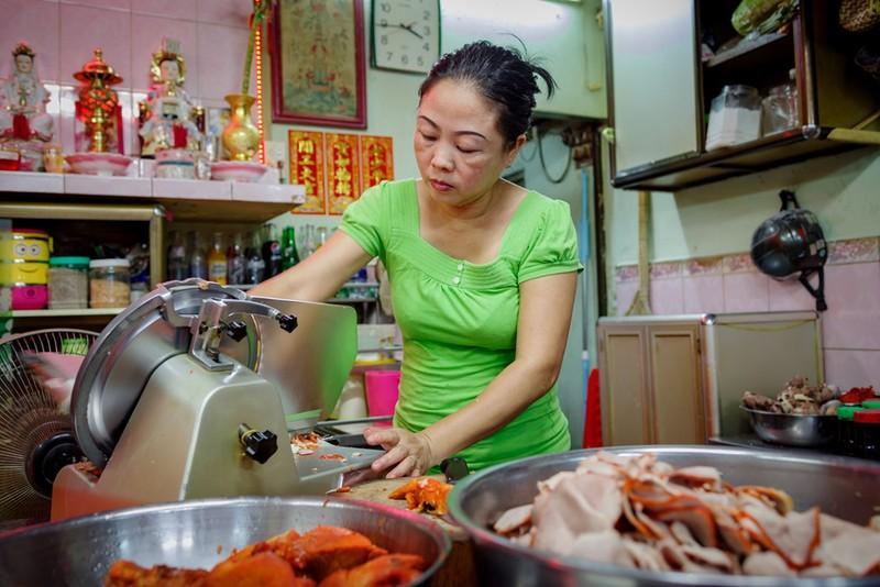 Tiệm mì 70 năm của người Hoa giữa lòng Sài Gòn - ảnh 9