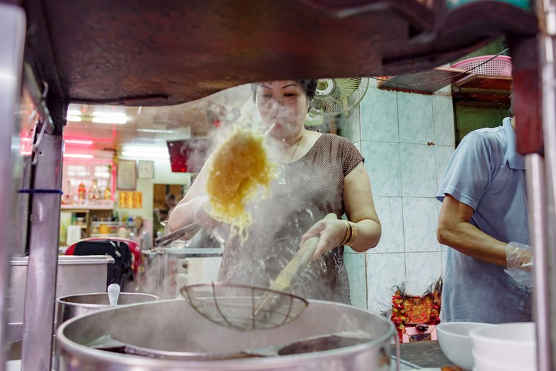 Tiệm mì 70 năm của người Hoa giữa lòng Sài Gòn - ảnh 2