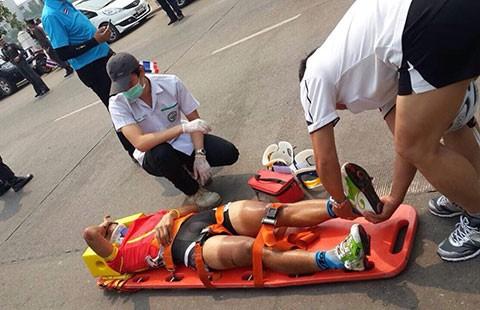 Tour of Thailand 2015: Thành Tâm gặp nạn sau cú tung nước rút - ảnh 1