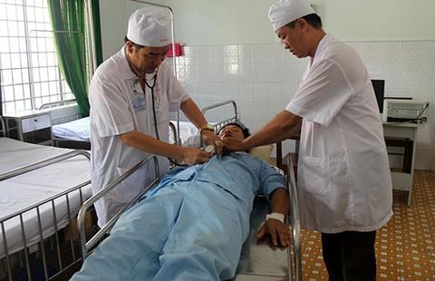 Dùng máy bay cấp cứu bệnh nhân ở Trường Sa - ảnh 1