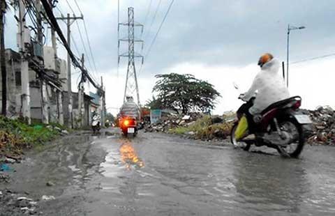 TP.HCM: Nhiều đường ngập nhẹ sau trận mưa đầu mùa - ảnh 1