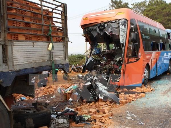 Đắk Lắk: Tài xế xe khách bất cẩn gây tai nạn kinh hoàng  - ảnh 1