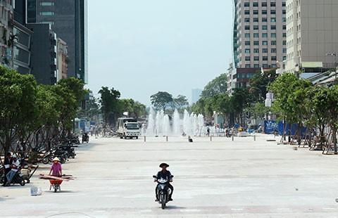 TP.HCM chính thức có phố đi bộ Nguyễn Huệ - ảnh 1