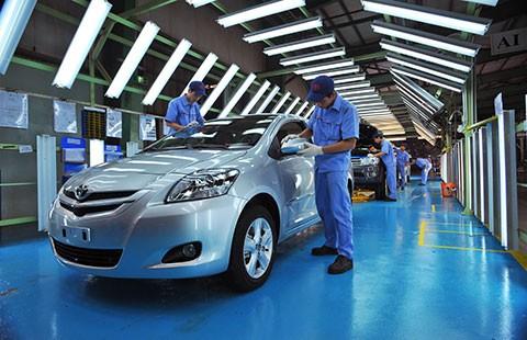 Đòi ưu đãi thuế để cứu ô tô Việt - ảnh 1