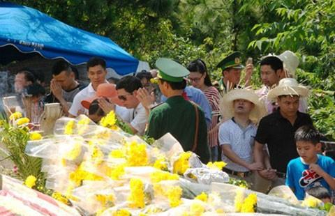 Hơn 70.000 lượt người viếng mộ Đại tướng dịp lễ 30-4 - ảnh 1
