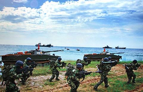 Mít-tinh 60 năm thành lập Hải quân nhân dân Việt Nam - ảnh 1