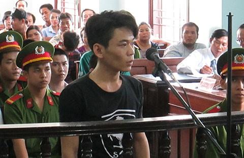 Bị cáo vắng mặt tại tòa vì… đi nhổ răng - ảnh 1