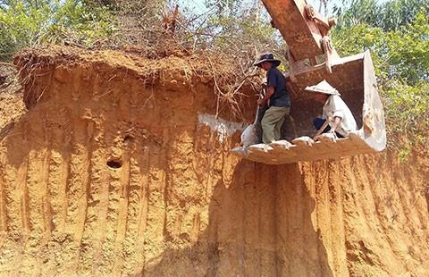 Đà Nẵng chỉ đạo khẩn vụ 400 ngôi mộ bị xúc đi  - ảnh 1