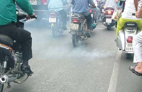 Bộ GTVT đề xuất: Thí điểm kiểm soát khói xe máy ở 5 TP lớn - ảnh 1