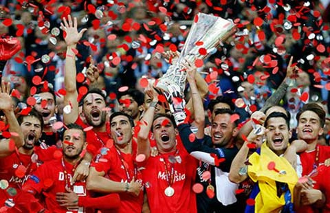 Chung kết Europa League: Sevilla lập kỷ lục - ảnh 1