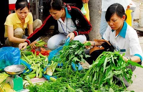 Ghé chợ lề đường để hiểu công nhân - ảnh 1